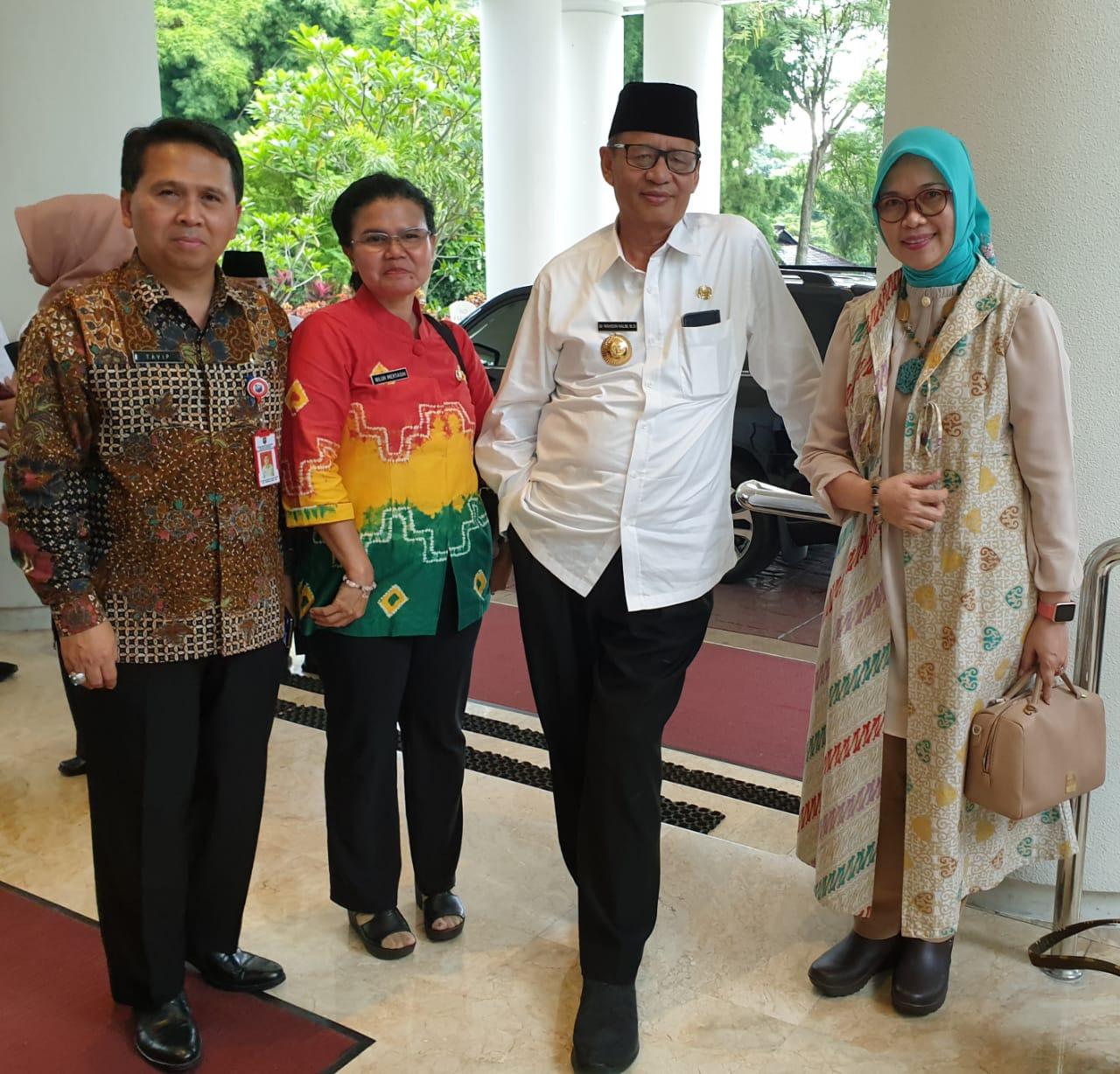 Bersama Gubernur Banten dan Direktur PIAK ditjen dukcapil kemendagri, Setelah Hearing dengan Komisi II DPR RI.