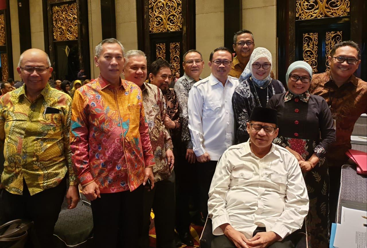 Bersama Pa Gubernur d acara Raker Gub anggota FKD MPU 2019 di Trans Luxury Bandung