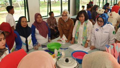 Pemberdayaan Bagi Penyintas Banjir Pelatihan Membuat Jajan Pasar